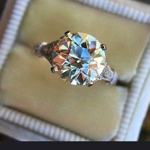 18kt Whit Gold 3 Ct Round Moissanite Ring